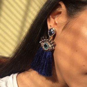 Jewelry - 🆕 Statement eye fringe earrings